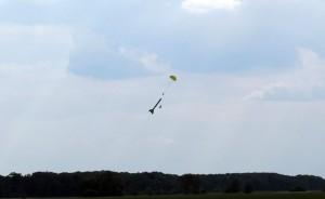 recuperation_parachute_hornisse